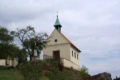 VineyardTroja, Praga, com capela Imagem de Stock Royalty Free