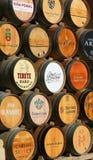 Vinfat i haroen, La Rioja, Spanien arkivbilder