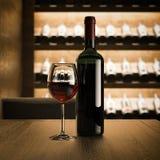 Vinflaska med exponeringsglas på trätabellen framförande 3d Arkivfoto