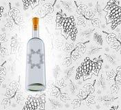Vinflaska med sömlös druvabakgrund Royaltyfria Bilder