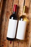 Vinflaskor i en spjällåda Royaltyfri Fotografi