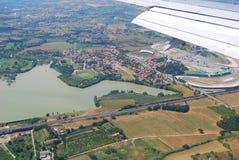 vinge för white för horisont för blå sky för flygplan Arkivfoton