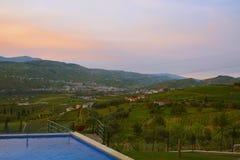 Vinhedos no Douro River Valley entre Peso de Regua e Pinhao, Portugal foto de stock