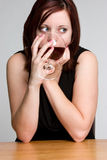 Vinho bebendo da mulher Foto de Stock Royalty Free