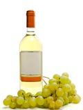 Vinho branco com videira Fotografia de Stock Royalty Free