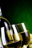 Vinho branco e queijo Fotografia de Stock Royalty Free