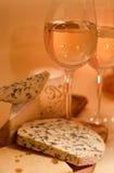 Vinho com queijo imagem de stock