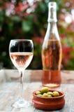 Vinho cor-de-rosa francês Fotografia de Stock Royalty Free