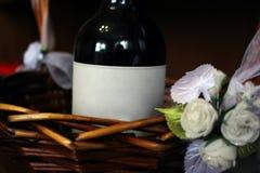 Vinho de Frontera em uma cesta Foto de Stock