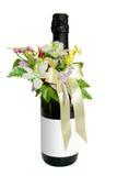 Vinho do casamento com flores Foto de Stock Royalty Free