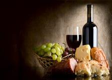 Vinho e alimento Imagem de Stock