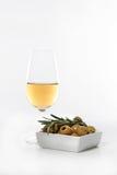 Vinho e azeitonas da xerez Foto de Stock Royalty Free