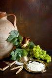 Vinho e pão santamente Imagens de Stock Royalty Free