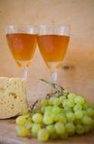 Vinho e queijo imagens de stock royalty free