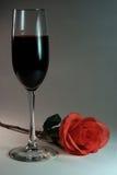 Vinho e Rosa Fotografia de Stock Royalty Free