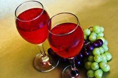Vinho e uvas Imagem de Stock