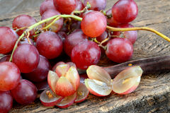 Vinho e uvas de Rosa Fotografia de Stock
