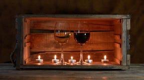 Vinho e velas Fotografia de Stock Royalty Free
