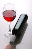 Vinho Frasco de vinho e vidros de vinho Fotografia de Stock
