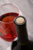 Vinho Frasco de vinho e vidros de vinho Imagens de Stock