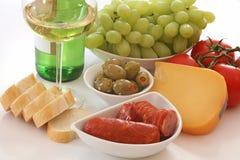 Vinho, pão, queijo e vegies Foto de Stock