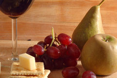 Vinho, queijo e froots foto de stock royalty free