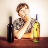 vinho tinto contra o vinho branco Fotografia de Stock