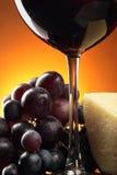 Vinho vermelho e alimento Fotos de Stock