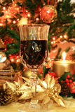 Vinho vermelho e decoração do Natal Fotografia de Stock