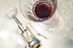 Vinho vermelho no vidro Imagens de Stock Royalty Free