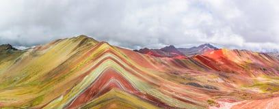 Vinicunca ou montanha do arco-íris, Pitumarca, Peru imagens de stock