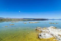 Vining Jezioro w Kalifornia blisko Zawietrznego Vining fotografia stock