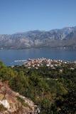Vinjerac, una pequeña ciudad costera en el mar adriático en Croacia Imagenes de archivo