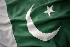 Vinkande färgrik flagga av Pakistan Royaltyfri Fotografi