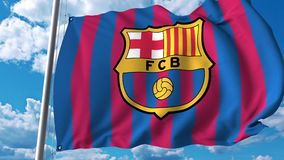 Vinkande flagga med Barcelona fotbollslaglogo redaktörs- gem 4K arkivfilmer