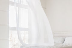 Vinkande gardin för abstrakt vit Royaltyfri Bild