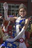 Vinkande prinsessa, 115. guld- Dragon Parade, kinesiskt nytt år, 2014, år av hästen, Los Angeles, Kalifornien, USA Fotografering för Bildbyråer