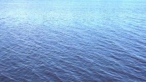 Vinkande vattenyttersida av havet arkivfilmer