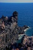 Vinkar att krascha på den Jeju seashoren. Royaltyfri Bild