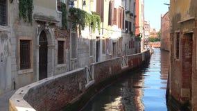 Vinkel av Venedig, solig dag italy stock video