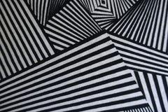 Vinkeltryck på svartvitt tyg Fotografering för Bildbyråer
