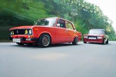 Vinnitsa, Украина - 4-ое августа 2012 Старый советский автомобиль VAZ, красное ретро Стоковое фото RF
