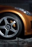 Vinnitsa, de Oekraïne - April 24, 2012 wiel, voordeel van de auto, Stock Afbeelding