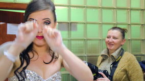 VINNITSA, UCRAINA - 12 DICEMBRE: Sposa della concorrenza dell'anno video d archivio