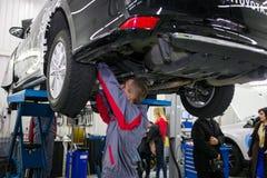 Vinnitsa, Ucraina - 23 ottobre 2016 Centro di servizio di Toyota, automobile Fotografie Stock
