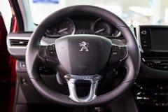 Vinnitsa Ukraina - Oktober 22, 2016 Peugeot begreppsbil 2008 pe Royaltyfria Bilder
