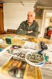 VINNITSY, RUSIA - viejo hombre no identificado Veps - pequeña gente Finno-Ugric que vive en el territorio de la región de Leningr Imagen de archivo