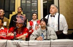 Vinny Paz v Tocker Pudwell Poststrijdpersconferentie Royalty-vrije Stock Foto's