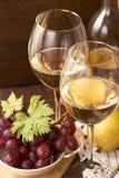 Vino bianco e frutta Fotografia Stock Libera da Diritti