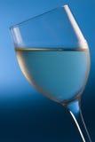 Vino bianco raffreddato Fotografia Stock Libera da Diritti